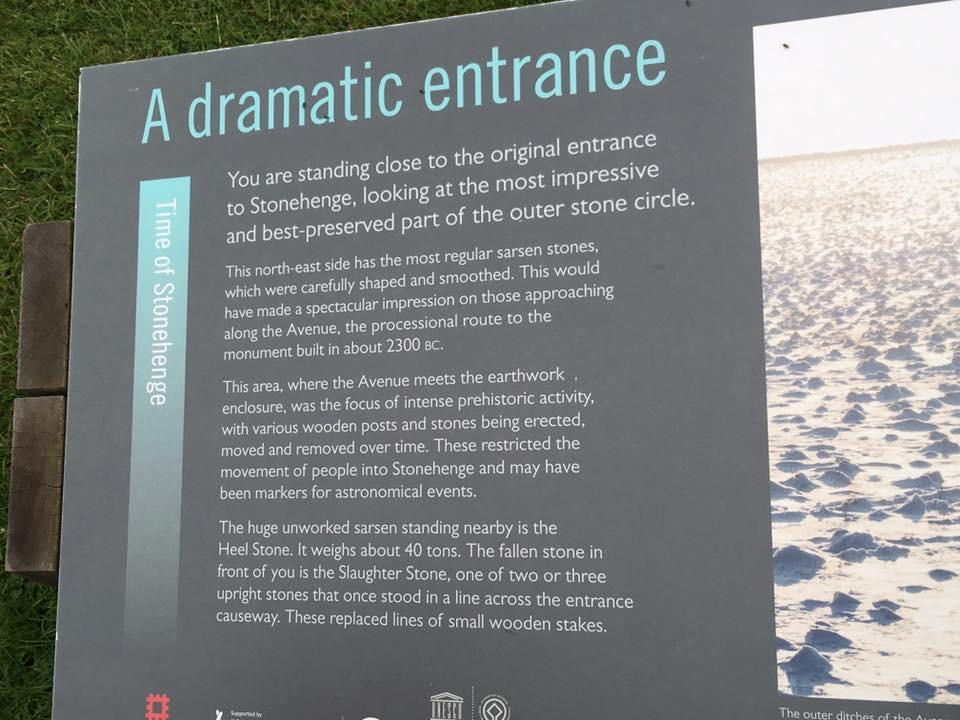 Stonehenge - A dramatic entrance